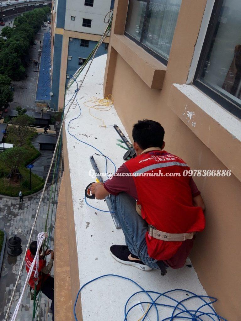 Lắp đặt led tòa nhà